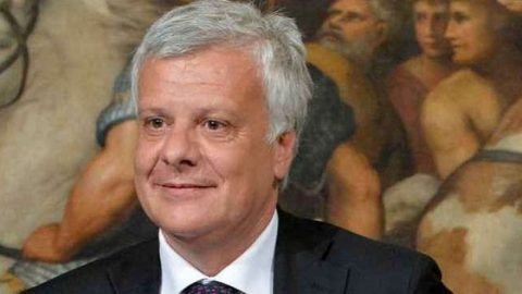 """Ministro Galletti: """"Rinforzeremo l'ecobonus""""."""