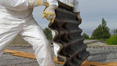 Rimozione dell'amianto. In Lombardia 300.000 euro per le strutture pubbliche