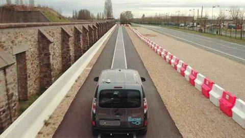 Qualcomm HALO. Sistema di ricarica wireless per veicoli in movimento