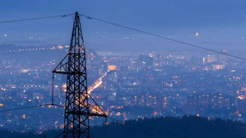 Cala il consumo di energia elettrica a giugno 2018 in Italia