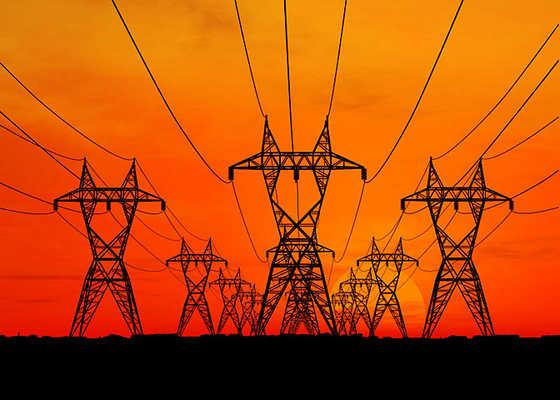 Artigiani e piccole imprese italiane pagano l'elettricità 2 miliardi di euro in più rispetto ai loro colleghi europei
